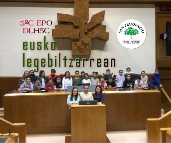 Los de 5ºC de Primaria en el Parlamento Vasco